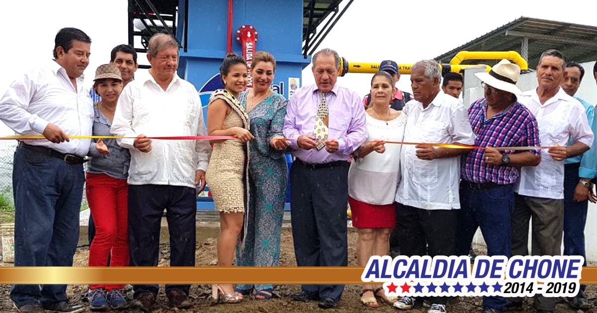 Eloy Alfaro cuenta con agua potable a sus 99 años