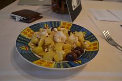 Bratkartoffeln mit Feta und Oliven (124STOUT_7162)