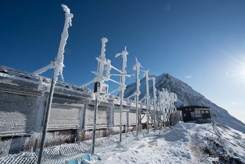冬の赤岳展望壮