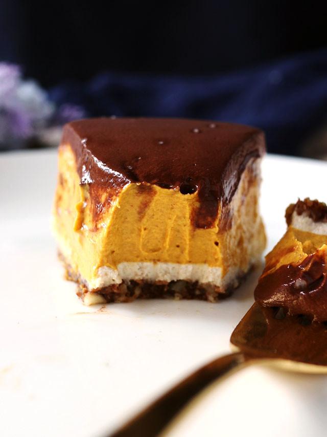 純素巧克力南瓜乳酪蛋糕 vegan-chocolate-pumpkin-cheesecake (7)