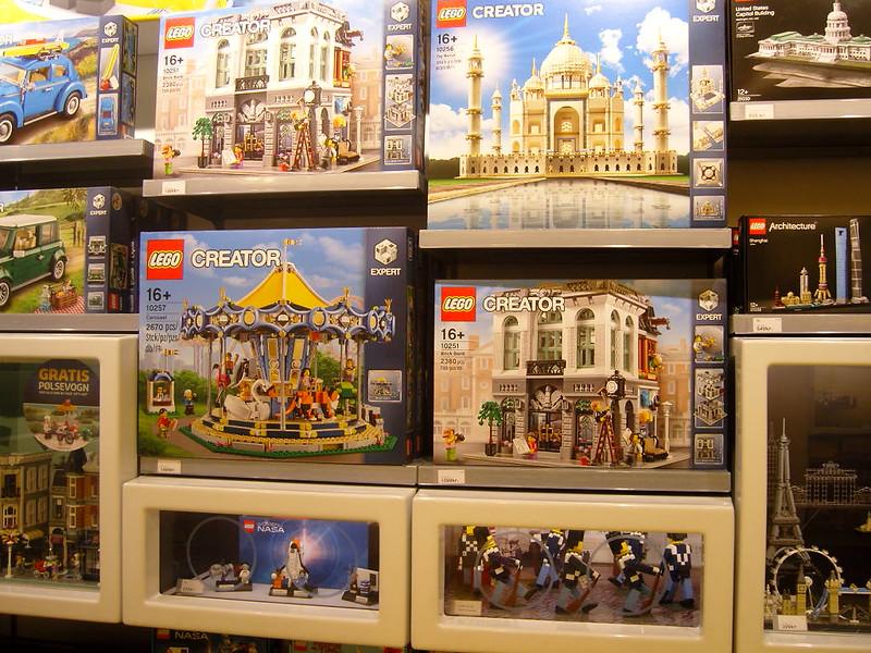 Επίσκεψη στο official Lego Store Copenhagen! 28008523129_a282fb819e_c