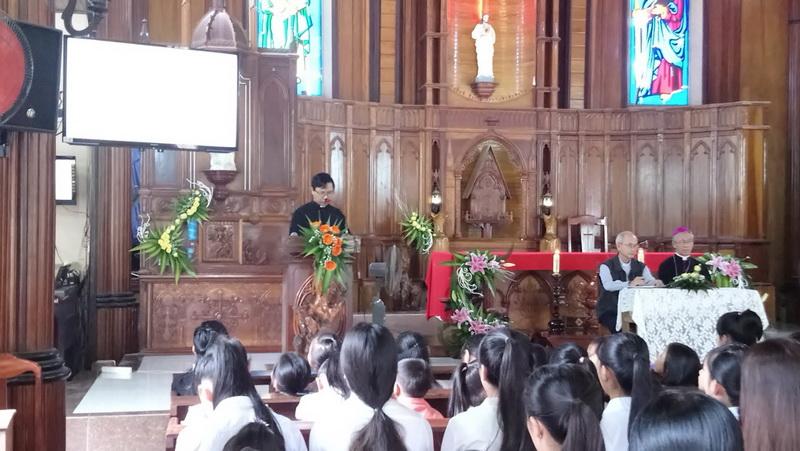 Đức Giám mục Giáo phận kinh lý tại Giáo xứ Cù Lâm