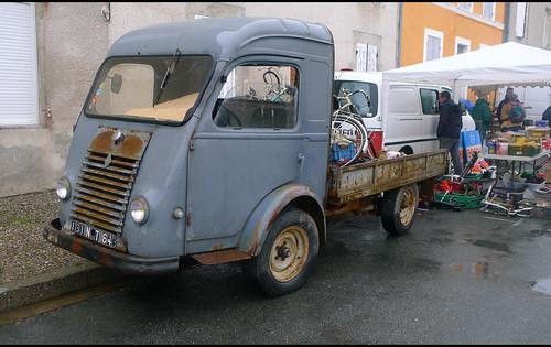 Camion Renault plateau