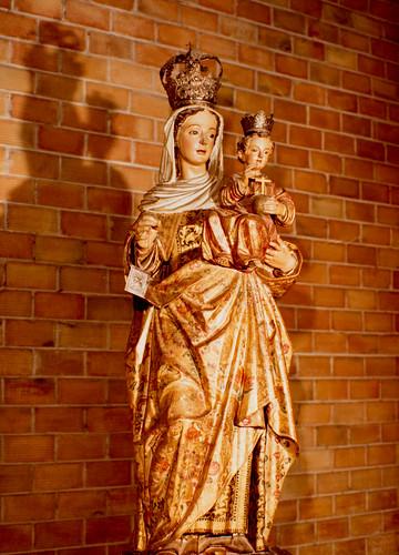 Ya tenemos imágenes [2] - La Virgen, hermosa talla policromía del XVII, ha viajado desde las Carmelitas de Antequera.