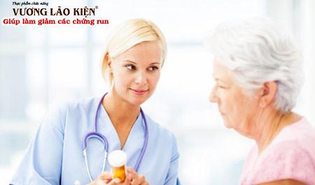 Giai đoạn này người bệnh Parkinson đã bắt đầu được chỉ định thuốc
