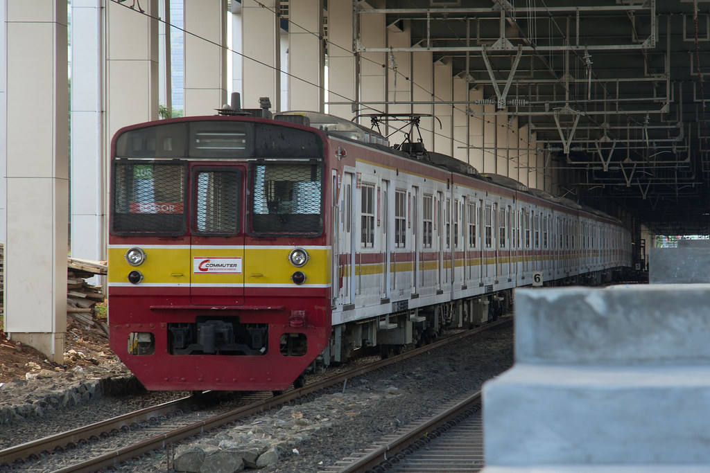 JR 203 (203-108);Yellow line (Bogor) ;Stasiun Sudirman Baru / BNI City