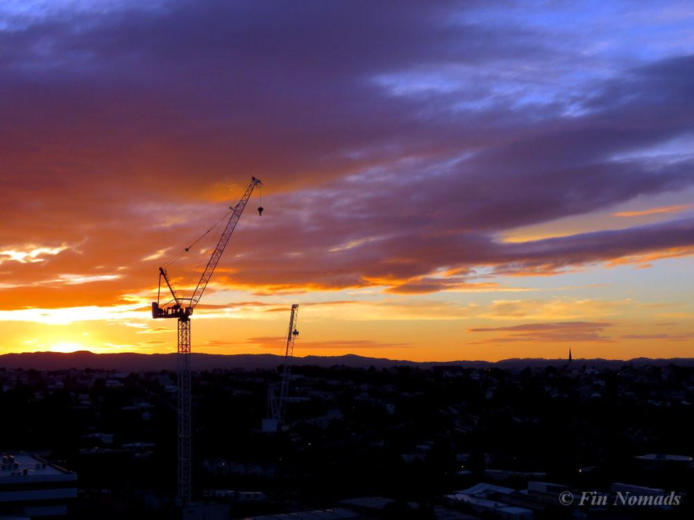 Auringonlasku parvekkeelta