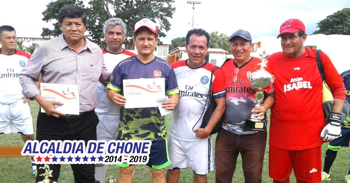 Universidad se coronó bicampeón del fútbol súper máster