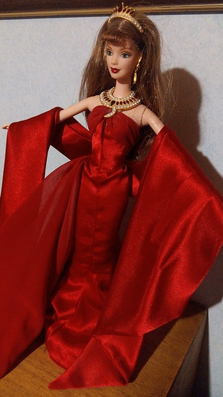 "Barbie collector ""Countess of rubies"" - BAISSE 39194541744_f6a89bb475_c"
