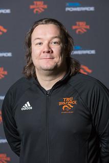 Derek Pue (head coach 17-18 Snucins)