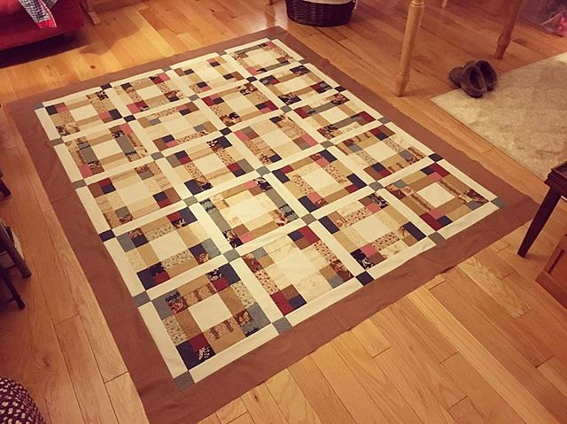 Brown border. Ready to be quilted. #quilting