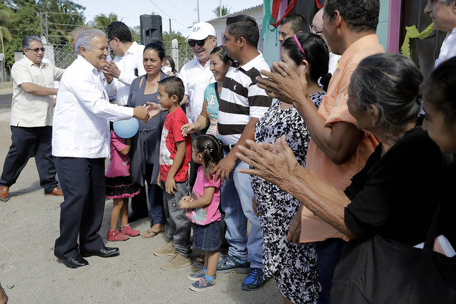 Entrega de viviendas San Pedro Masahuat 01