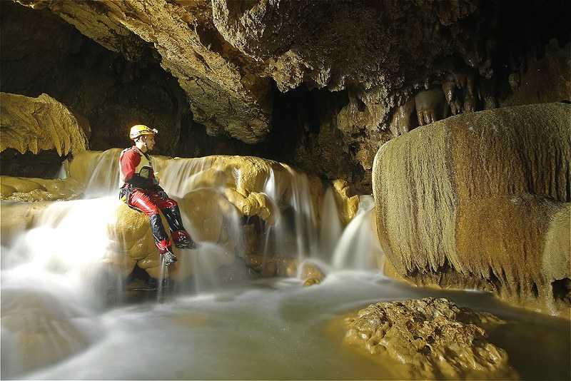 Waterfalls inside Lobo Cave