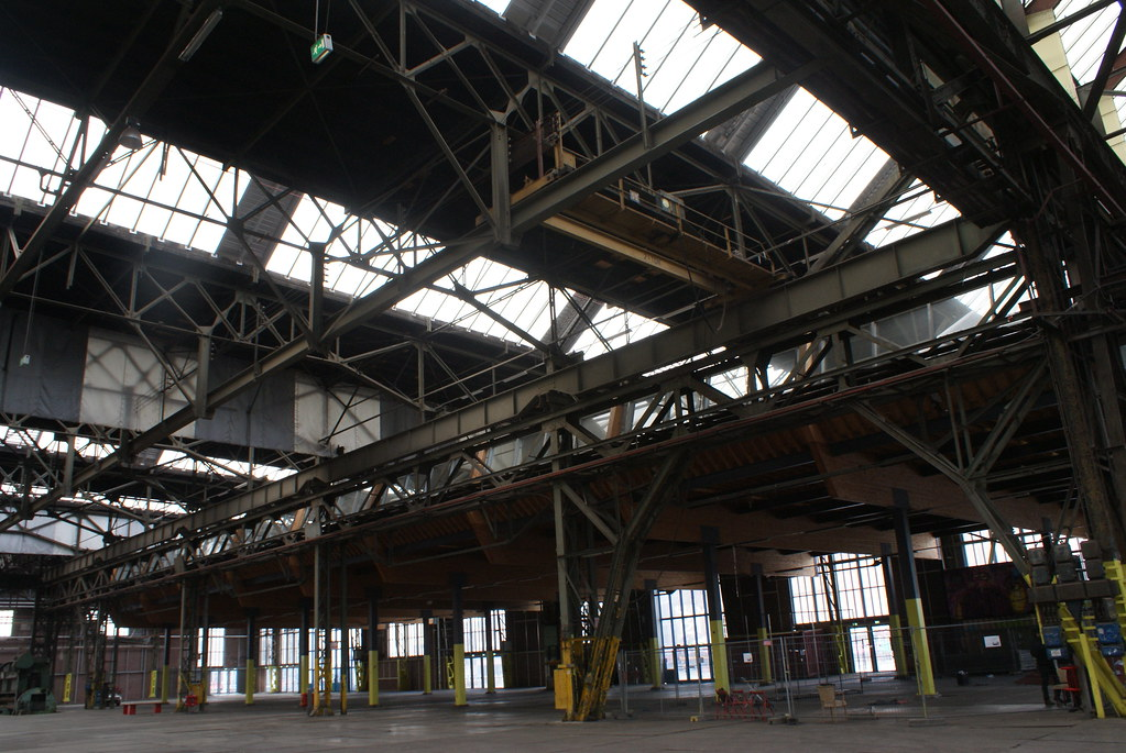 Charpente métallique du Hangar du chantier naval NDSM d'Amsterdam.