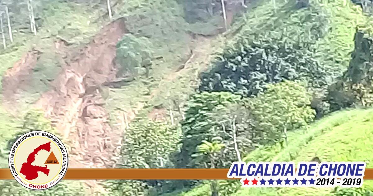 Deslizamientos e inundación del río Tillo en parroquia Ricaurte
