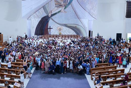 Monsenhor Jonas Abib, celebra missa de renovação do compromisso da comunidade Canção Nova