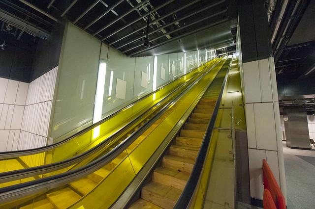 Canary_Wharf_Crossrail_Station_280218_1494_hi