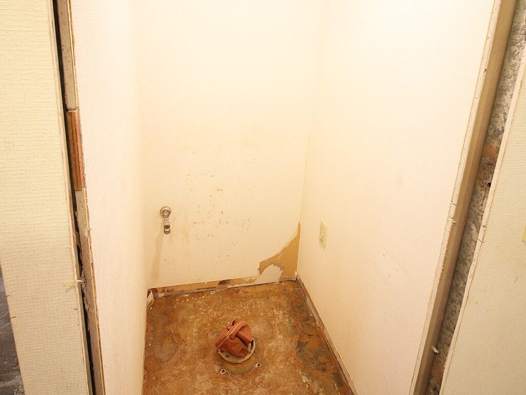 リノベーション中のトイレの床の部分