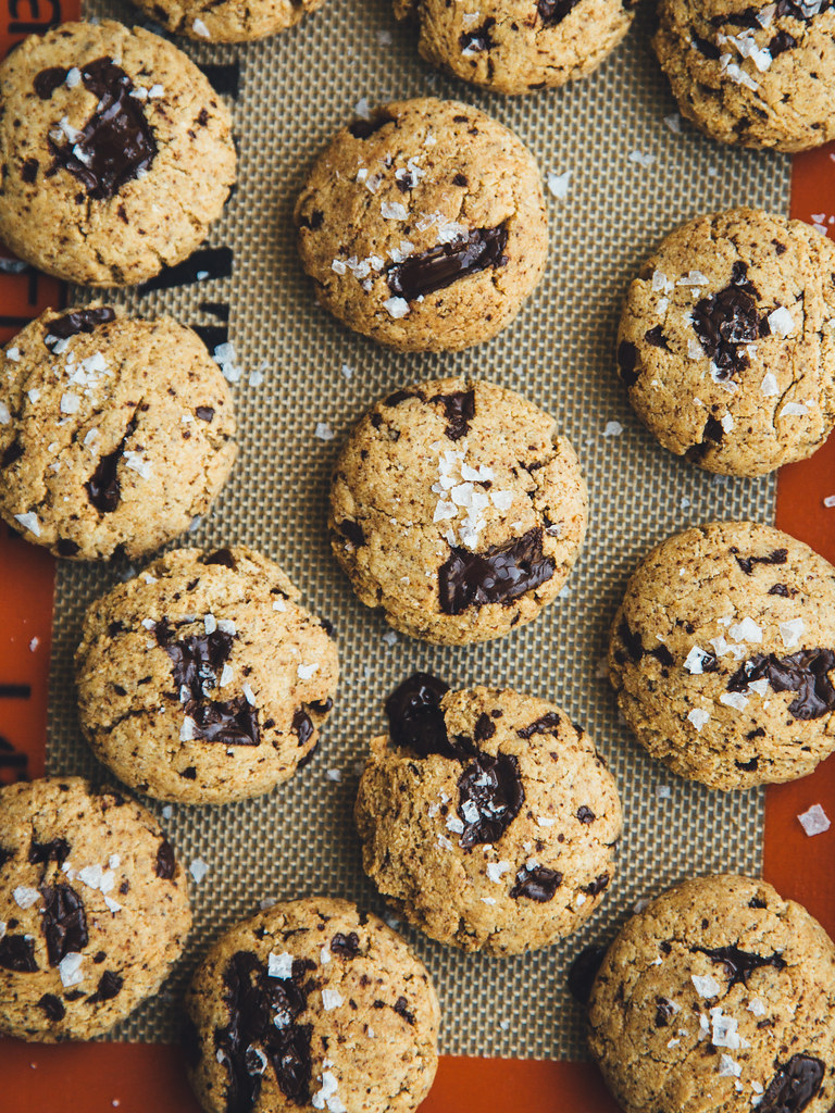 Chocolate chunk snacking cookies