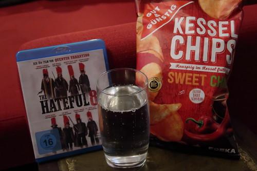 """Sweet Chili Kesselchips und Wasser zum Film """"The Hateful 8"""""""