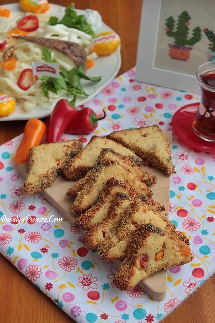biberli peynirli poğaça (3)