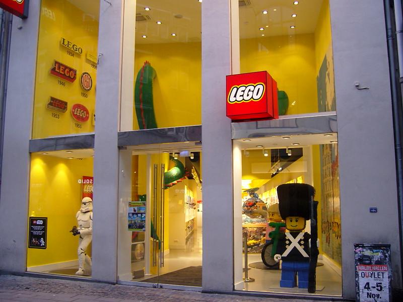 Επίσκεψη στο official Lego Store Copenhagen! 24916410547_e59f3d0eaa_c