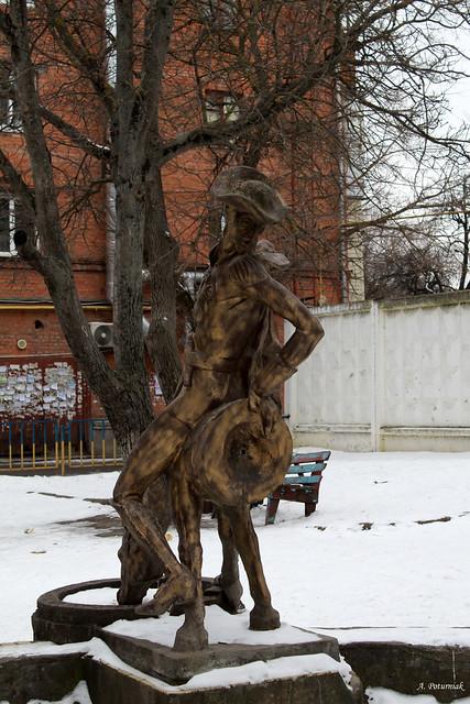 Пам`ятник барону Мюнхгаузену
