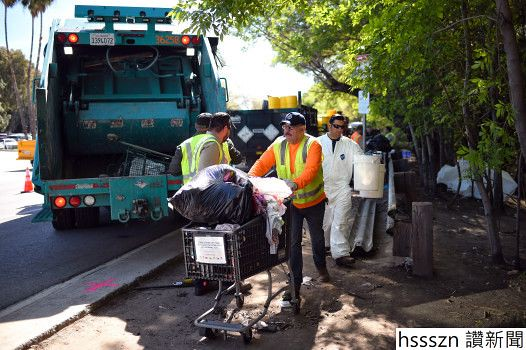 0930_nws_ldn-l-cleanup-homeless-0930_526_350