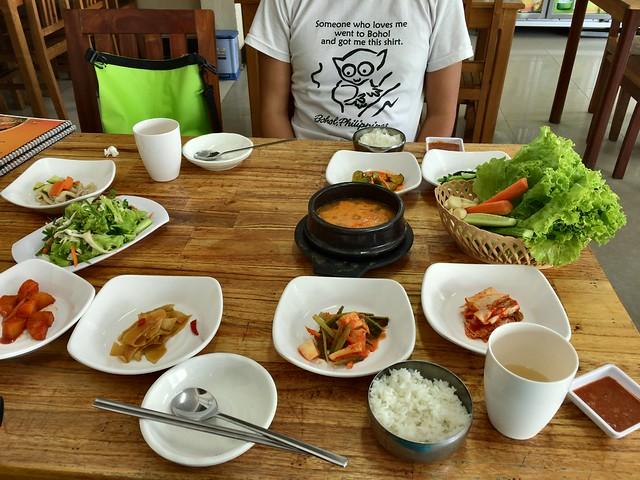 韓国料理屋さんにやってきた