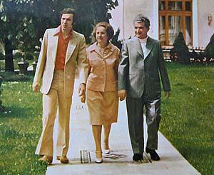 Adrian Paunescu, Nicolae Ceausescu