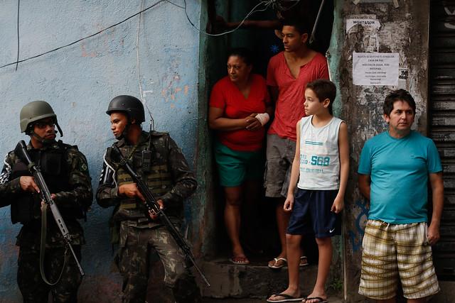 Segundo moradores das favelas e áreas de conflito da capital, a medida significa violação de direitos para os mais pobres  - Créditos: Fernando Frazão/Agência Brasil