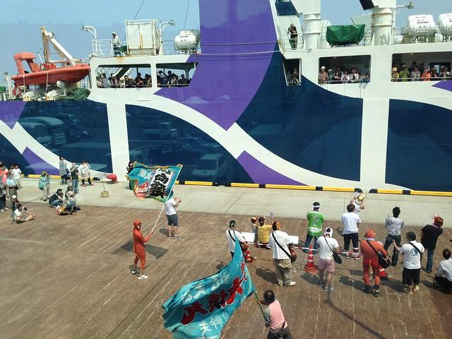 hokkaido-rishiri-island-minato-beer-garden-see-off-the-ferry-05