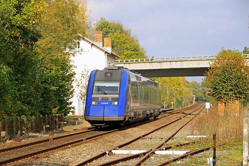 18 octobre 2011 x 72569 Train 865585 Limoges ->Bordeaux Château-l'Evèque (24)