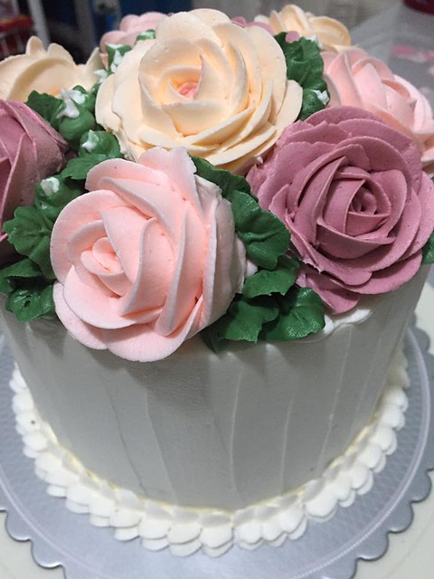 Floral Cake By Winz Lising of Sweet & Creamy Studio