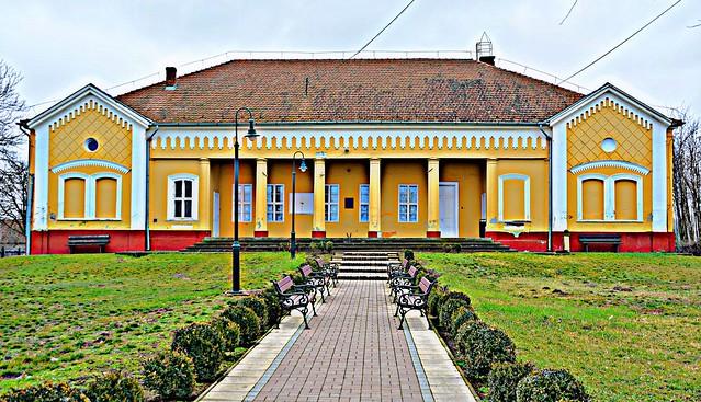 Biharugra Hungary A Bölönyi-kúria klasszicista stílusban épült 1860