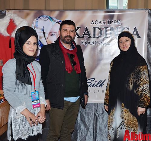 Kadınca Eşarp markasının yetkilileri Büşra Bektaş, Muhammet Acar ve Aylin Köktürk