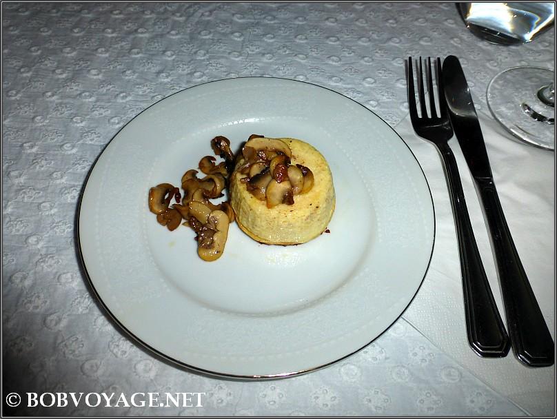 בודינו פרמג'יאנו ב- קוצ'ינה הס 4 - cucina hess 4