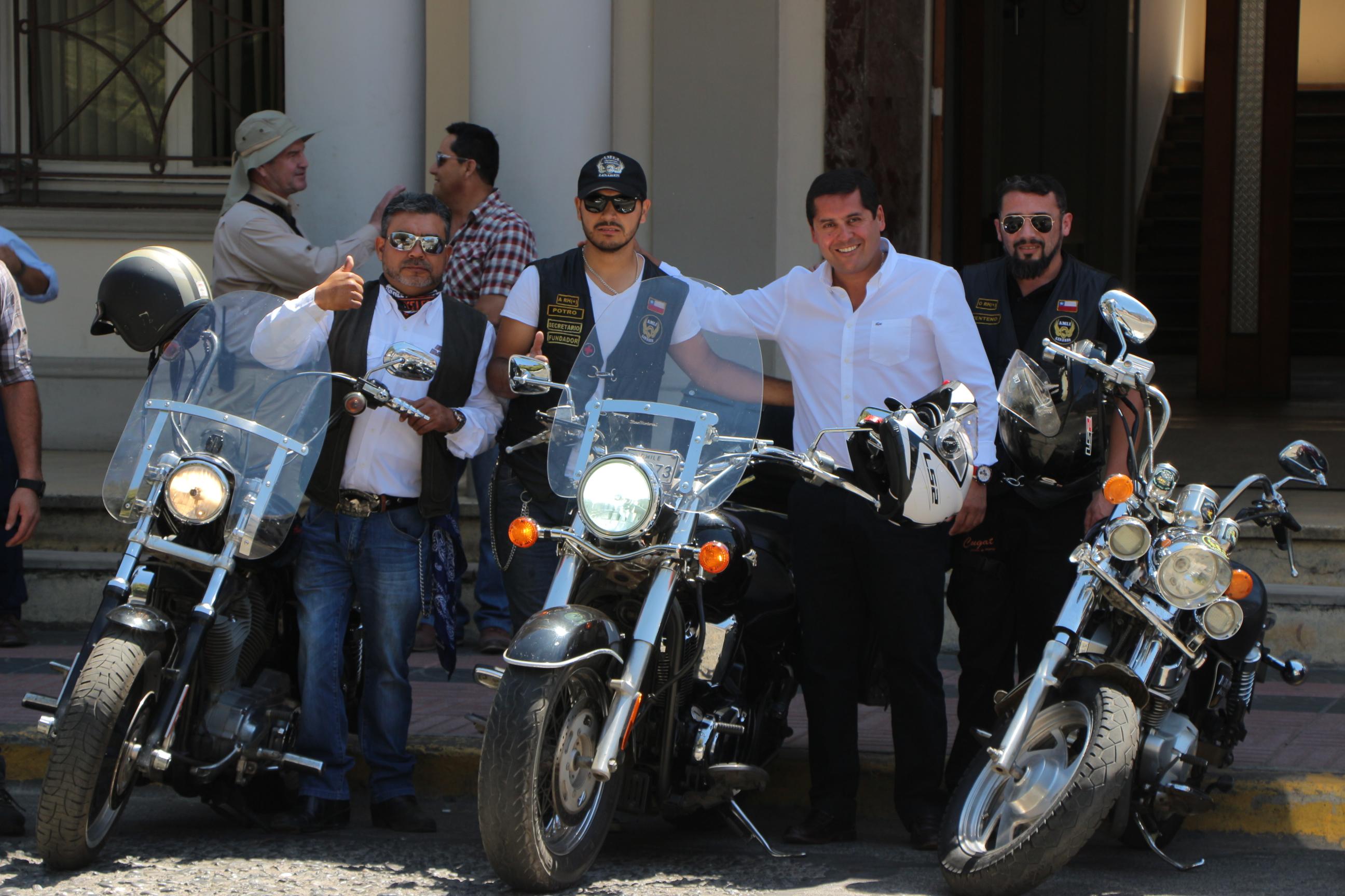 LINARES; Reunión de Motoqueros con invitación a la comunidad