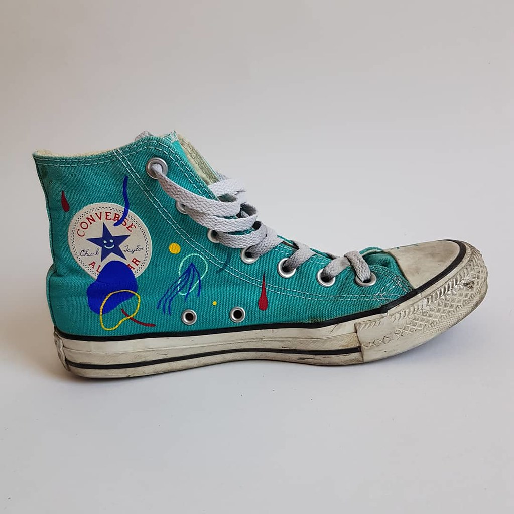 2c6a40210ac ... painted Converse