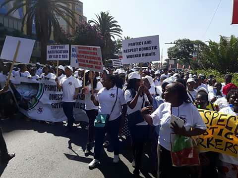 2018-2-21 Kenya: Domestic Workers demonstrate before Parliament for Ratification of C189