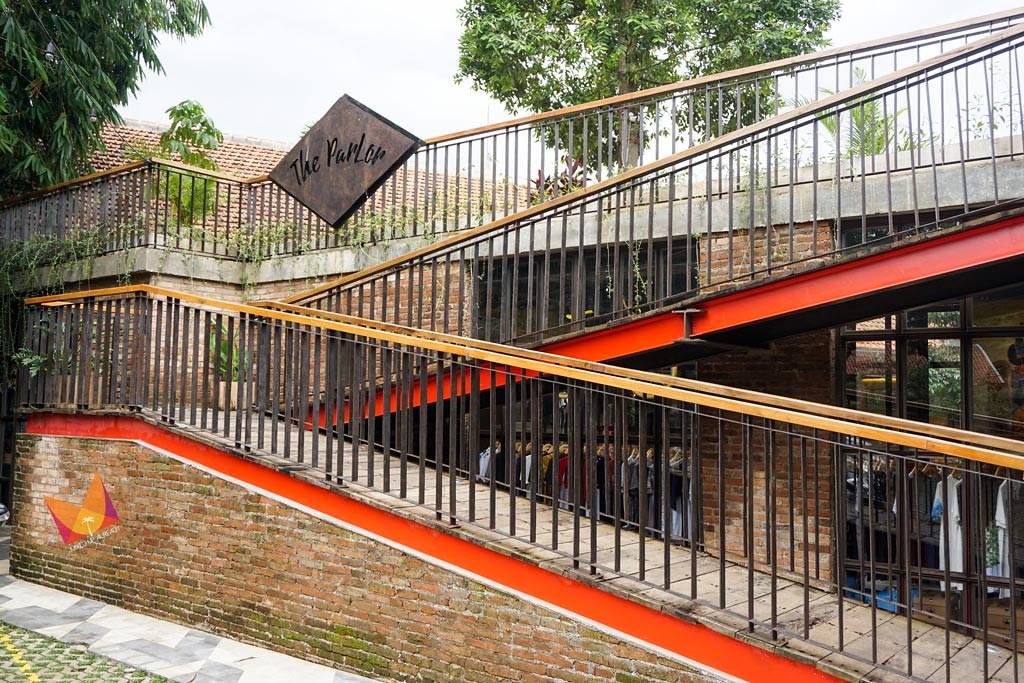 the parlor bandung cafe stairs - mixedupalready