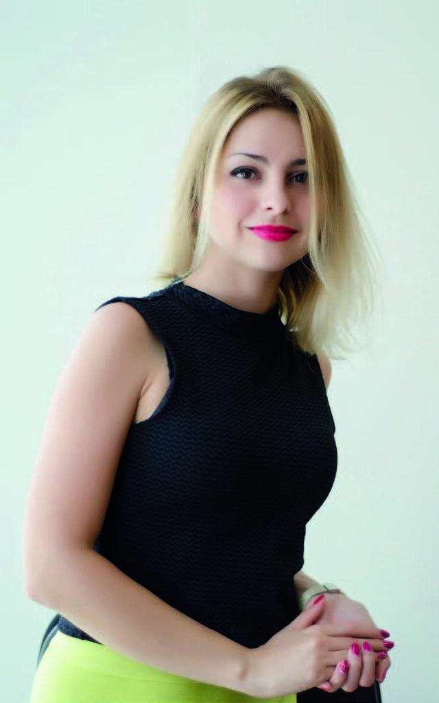 Лариса Горковская