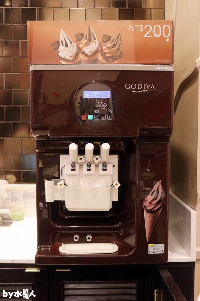 39063132844 75f79711ab b - GODIVA抹茶巧克力霜淇淋首賣,台中大遠百店期間限定