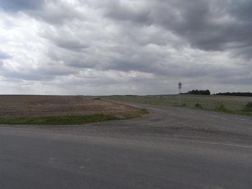 20100825 181 0105 Jakobus Straße Feld Wolken