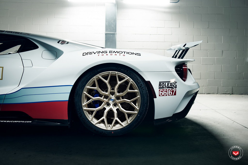 ford-gt-martini-livery-vossen-wheels-6