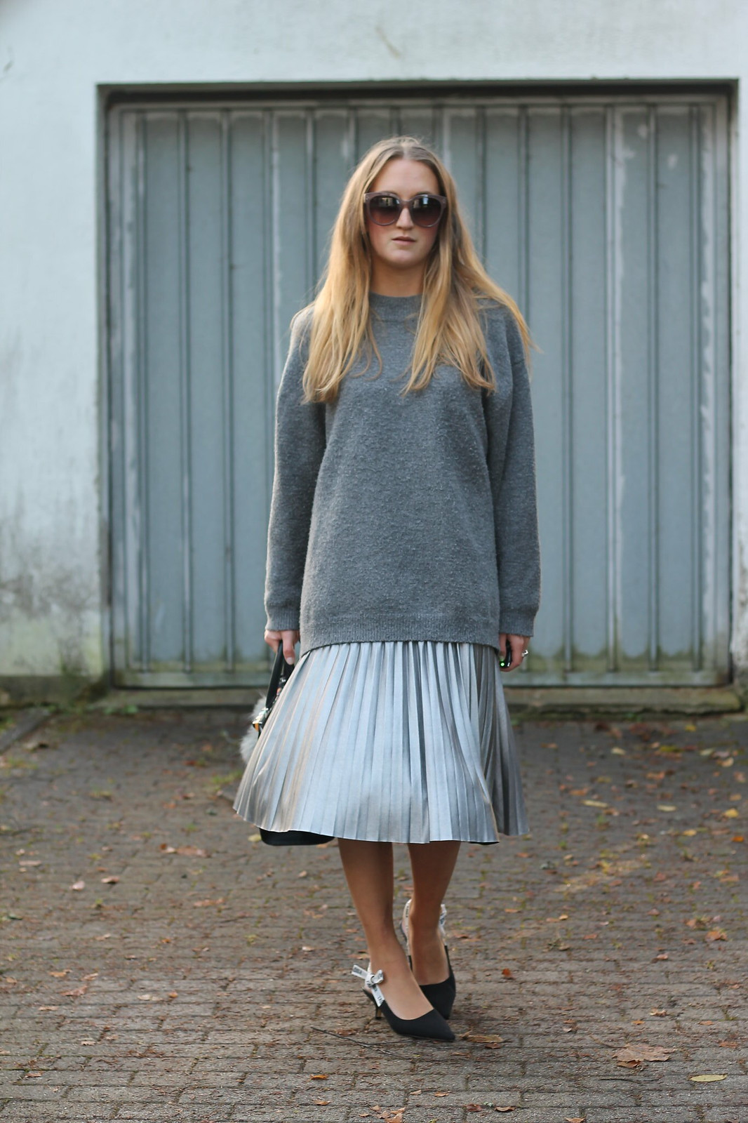 silver-skirt-and-sweater-whole-outfit-front-wiebkembg