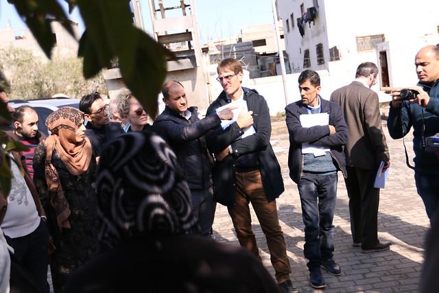 بلدية غزة تطلع وفدا من المانحين الأوروبيين على أوضاع المياه والصرف الصحي (60), Canon EOS 7D MARK II, Canon EF 16-35mm f/2.8L II