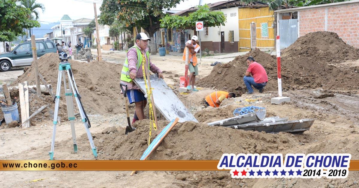 Se extiende construcción de alcantarillado en Santa Rita