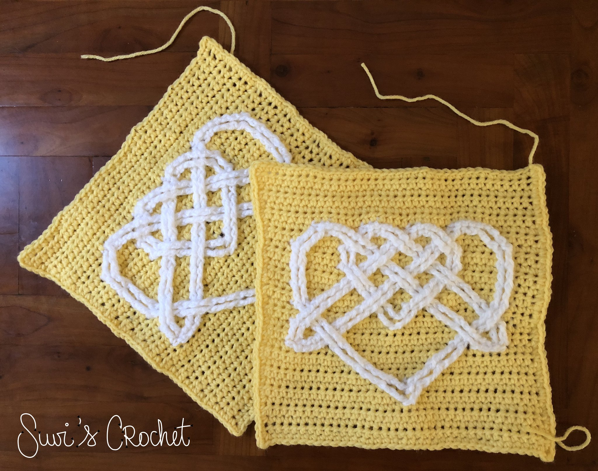 2-color celtic heart square
