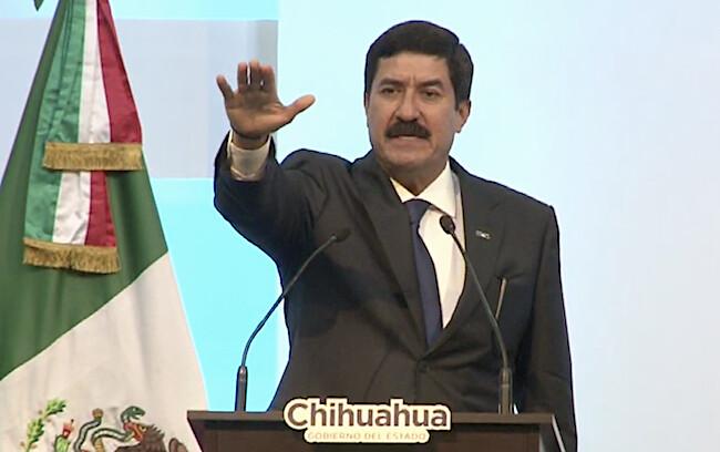 c.- Javier Corral, como gobernador de Chihuahua no le ha temblado la mano para aplicar la ley a saqueadores.